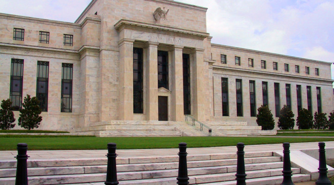 Federal_Reserve-650x360